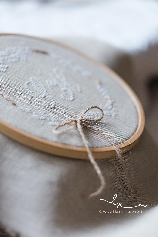 Ringkissen, ring pillow, wedding, hochzeit, vintage, linen, Kreuzstich, handgestickt, cross stitching; Rosenresli, Lillemor Fotografie, Bietigheim, Bissingen
