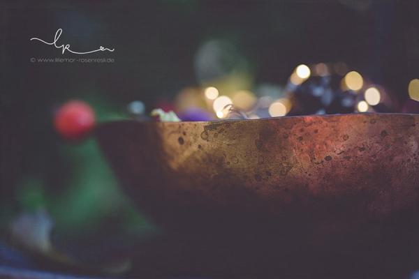 Kupferschale, handgehämmert, Waldorfschule, Waldorf, Kupfertreiben, herbstlich dekoriert vom Rosenresli, Naturmaterial, Lillemor Fotografie, Bietigheim-Bissingen