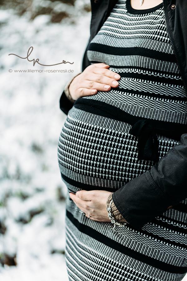 Bellybildergeschichten, Babybauchfotografie, Schwangerschaftsfotografie, Neugeborenenfotograf, Bietigheim-Bissingen, Lillemor Fotografie