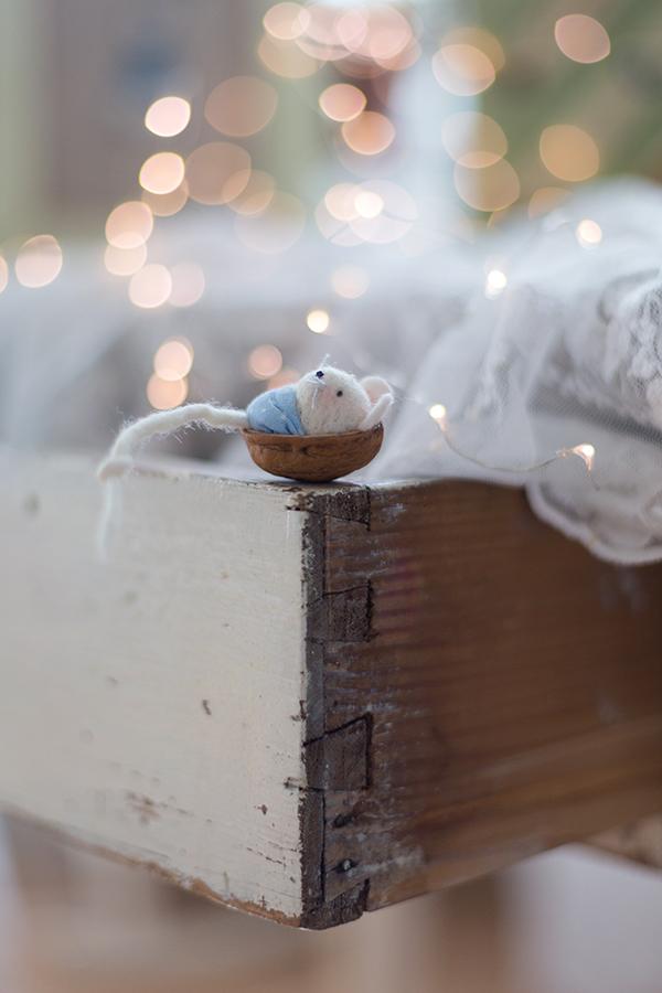 Mäuschen in der Nusswiege, Filzmaus in der Nussschale, Michele Brunnmeier, komm, lieber Advent, acufactum 2016, Lillemor & Rosenresli