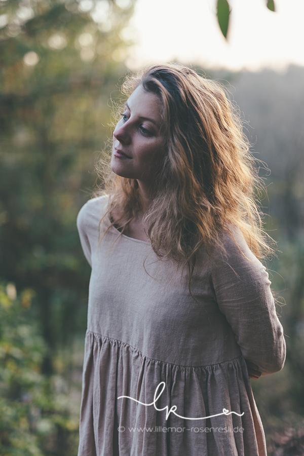 Leinenkleid, Stickdatei Pusteblumenelfchen, Daniela Drescher, acufactum