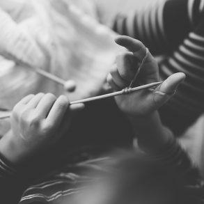 Waldorfschule, Handarbeitsunterricht, Handarbeit, Stricken, Erstklässler