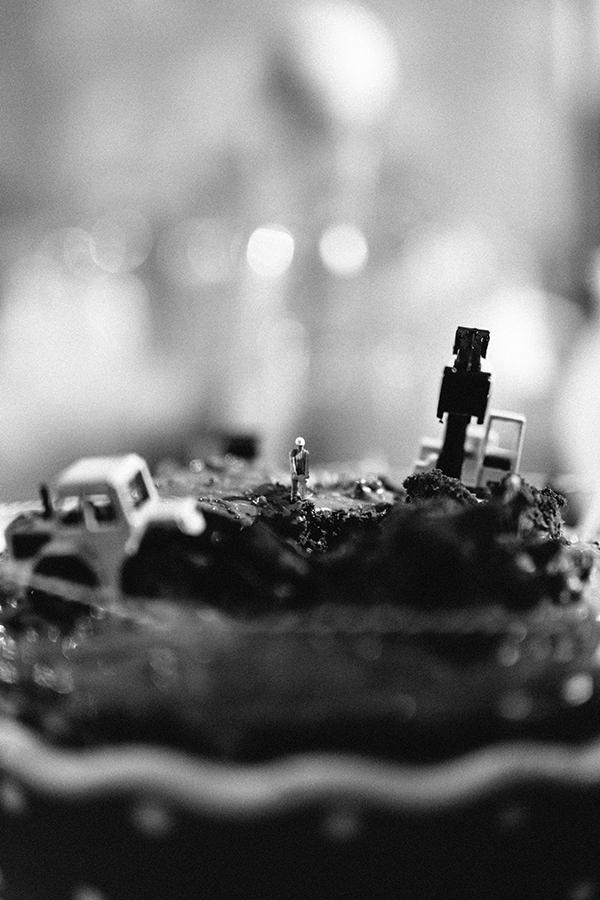 Geburtstagskuchen, kleine Leute, kleine Menschen, Bagger,