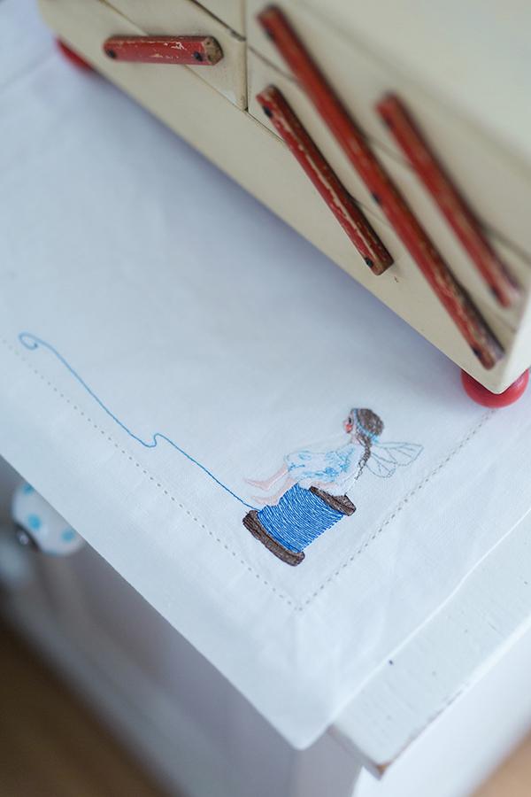 Stickdatei Fadenelfe, Illustration Daniela Drescher, Stickstübchen Michele Brunnmeier