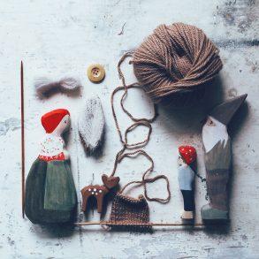 Schlüssellochguckerbild, Instagram, Winterwald, acufactum, Daniela Drescher, kleine Strickerei, Wichtelkinder Holzfiguren