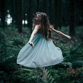 Waldelfe, woodland tale